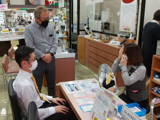 弘前城東店 日々学んでいます!